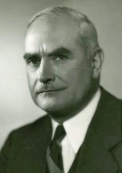 G Lewis